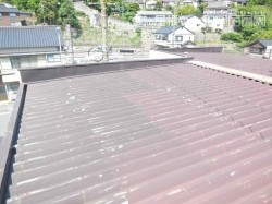 経年劣化した屋根